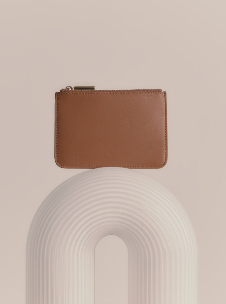 Cuyana Slim Leather Pouch