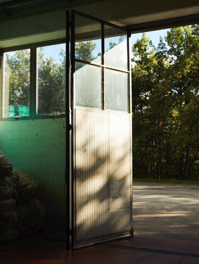 Barn door image