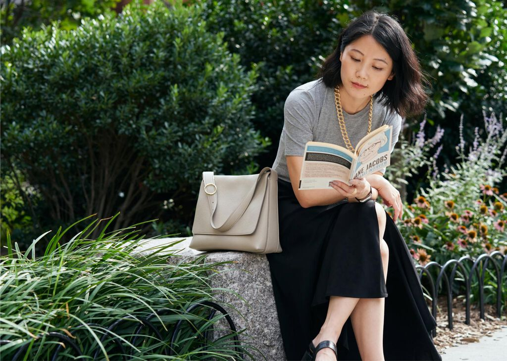 Alice Gao with Messenger Bag