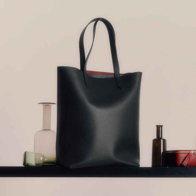 Cuyana Tall Structured Leather Tote in Black/Ruby