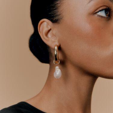 Cuyana Crescent Hoop Earrings