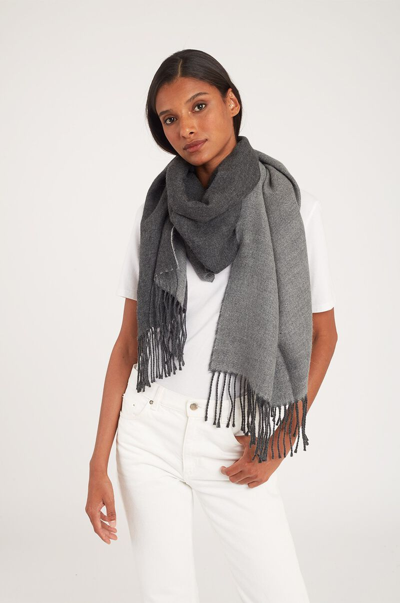Two-Tone Baby Alpaca Scarf in Light Heather Grey/Charcoal