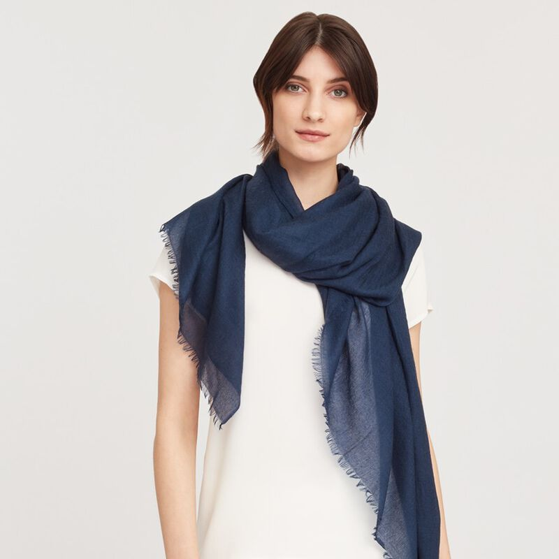 Lightweight Cashmere Scarf in Navy