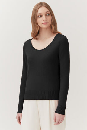 Single-Origin Cashmere Scoop Neck in Black
