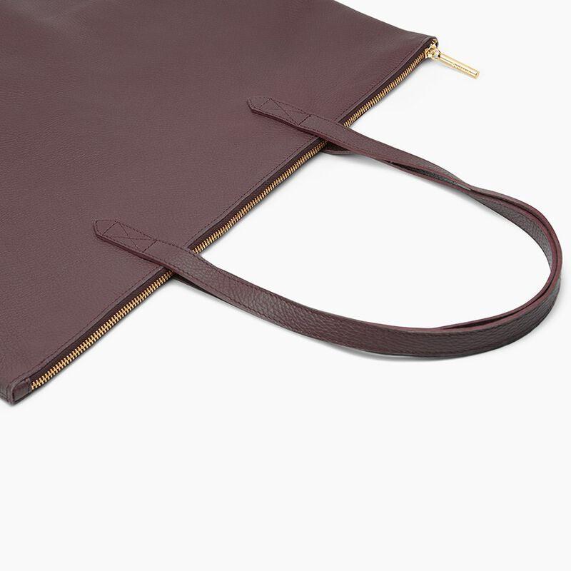 Classic Leather Zipper Tote in Burgundy
