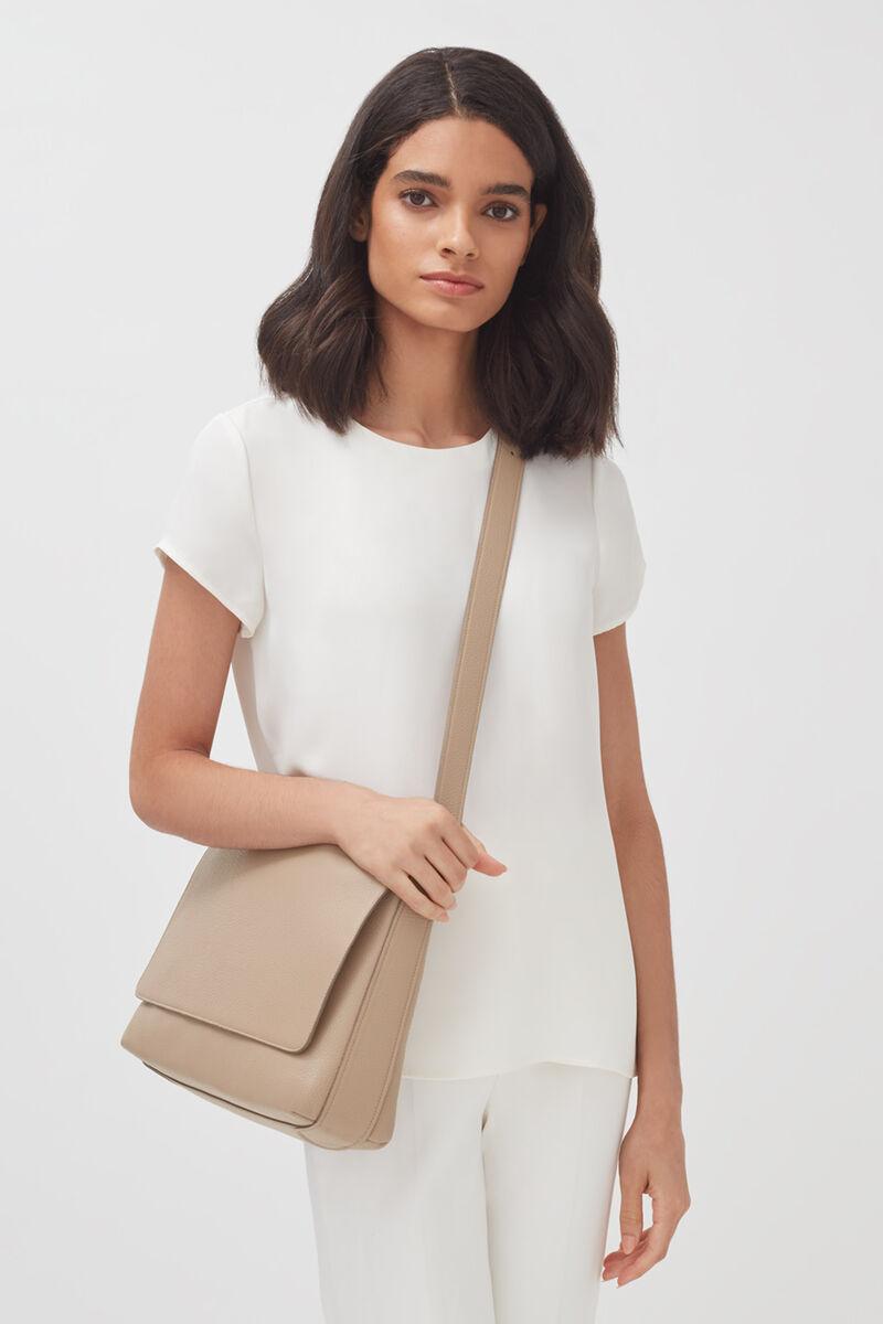 Messenger Bag 13-inch in Light Stone