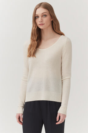 Single-Origin Cashmere Scoop Neck Sweater in Ecru