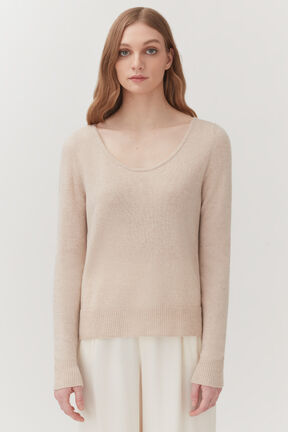 Single-Origin Cashmere Scoop Neck Sweater in Beige