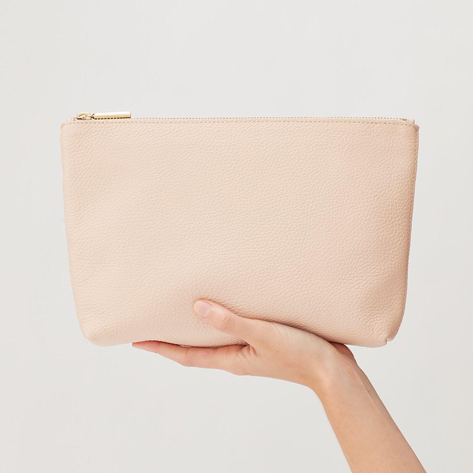 Medium zipper pouch
