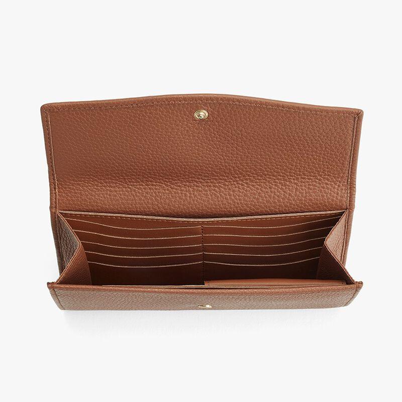 Classic Flap Wallet in Caramel
