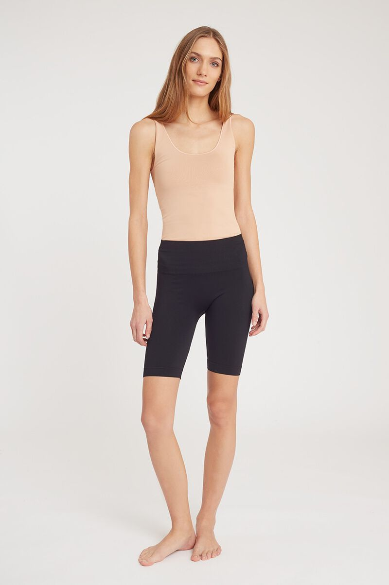 Seamless Long Shorts in Black