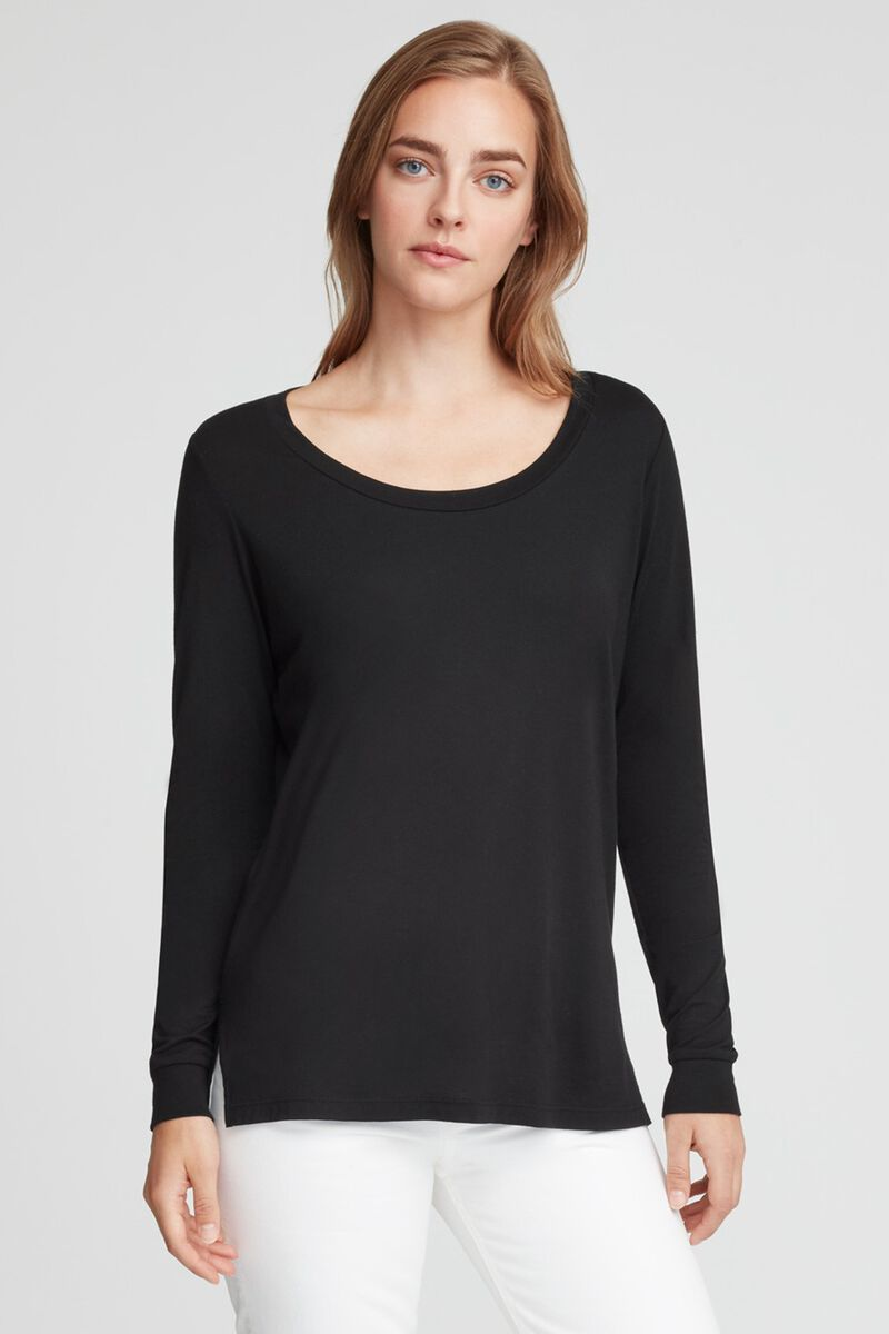 Long Sleeve Scoop Neck Tee in Black