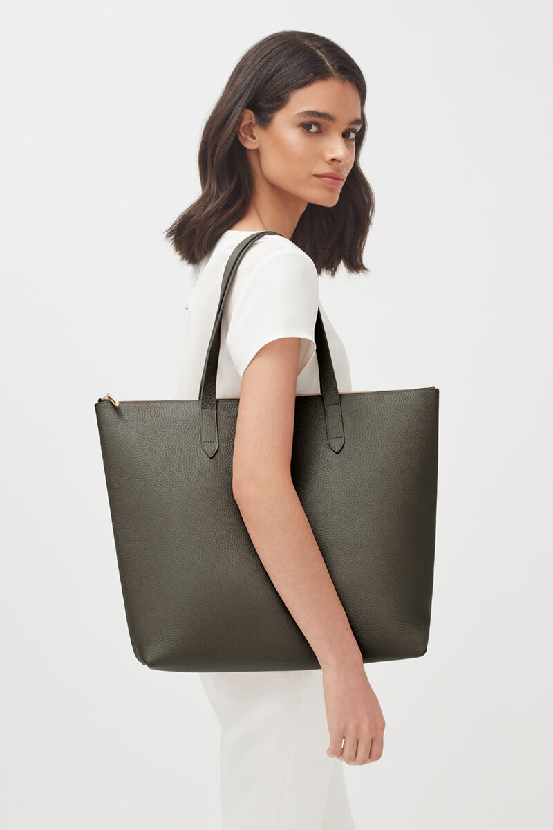 Classic Leather Zipper Tote in Dark Olive - Painted