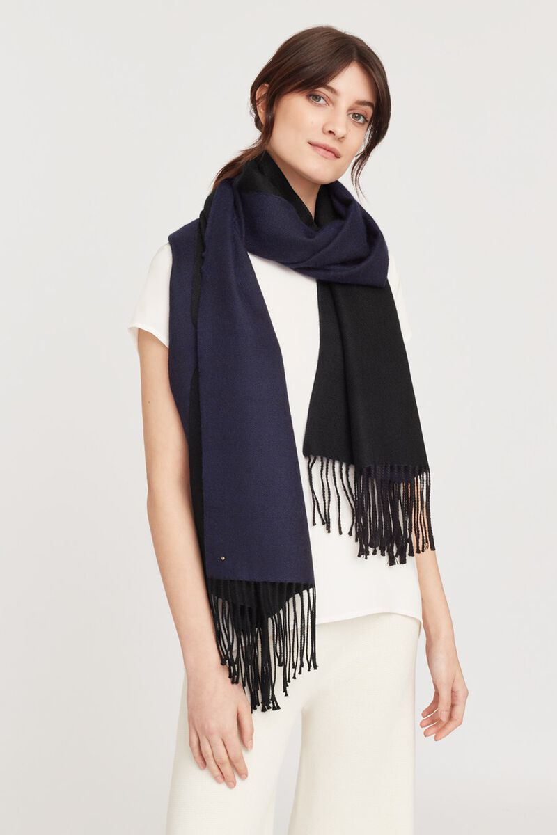 Two-Tone Baby Alpaca Scarf in Navy/Black