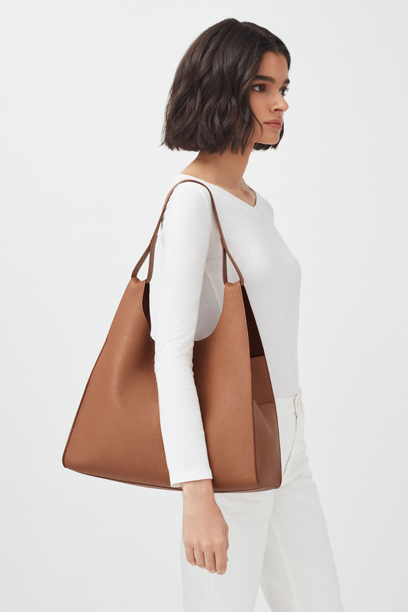 Oversized Hobo in Caramel