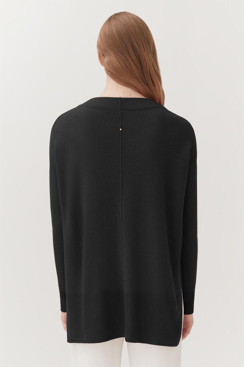 Single-Origin Cashmere Funnel Neck in Black