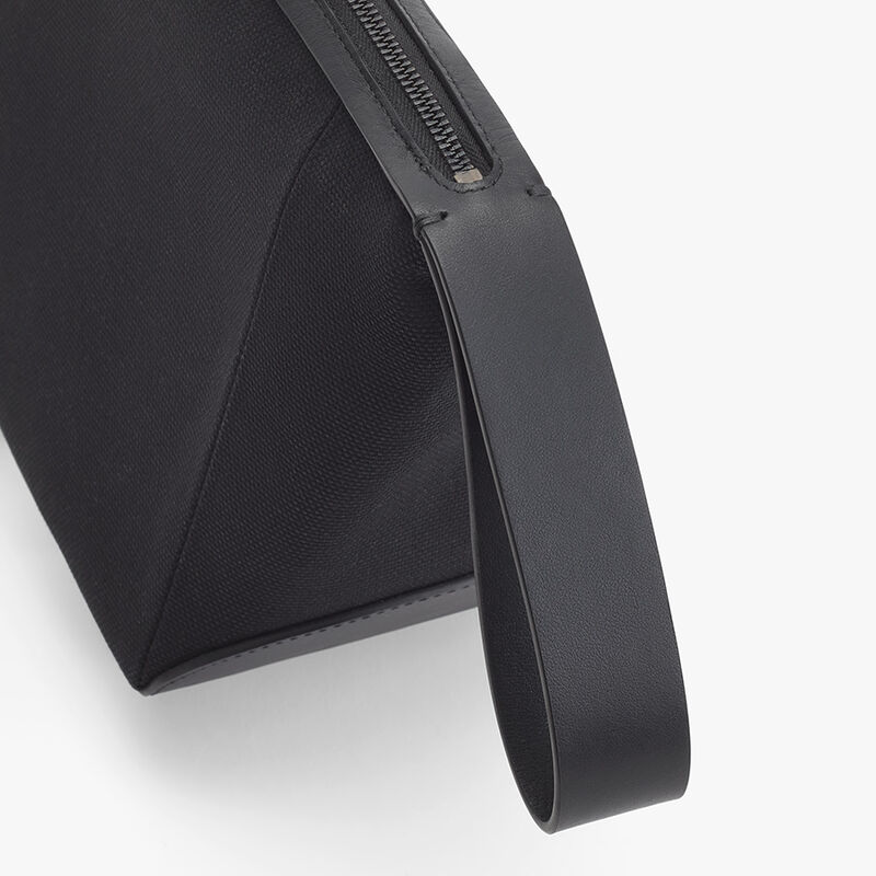 Men's Travel Zipper Pouch in Black