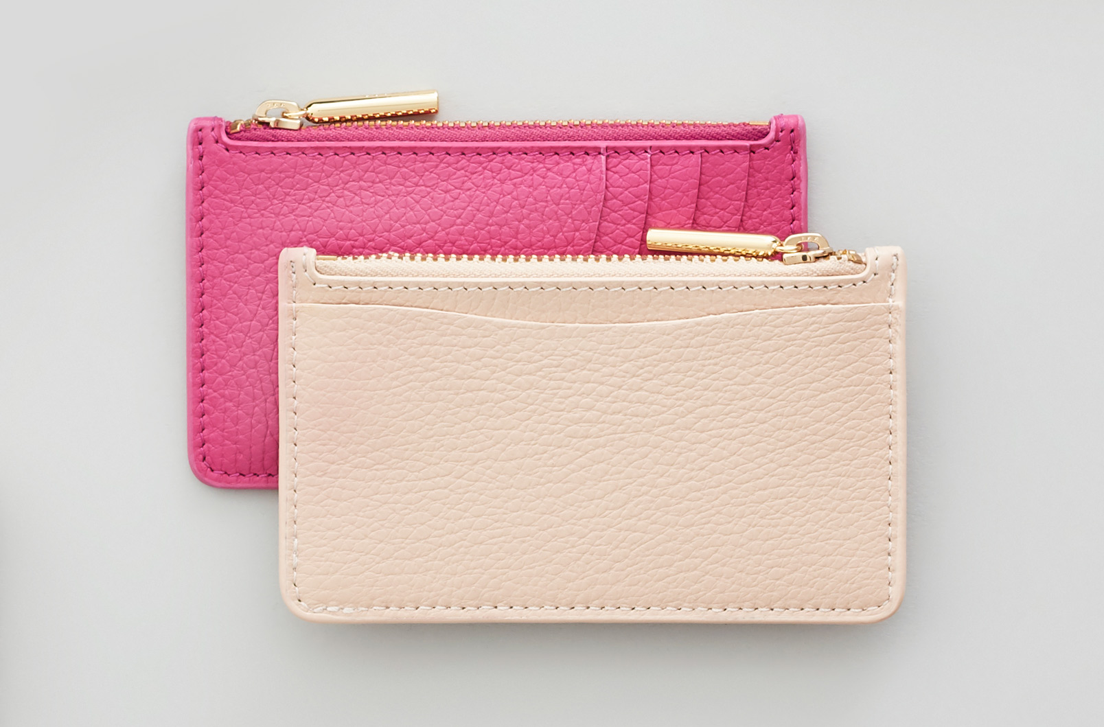 Cuyana Zip Cardholder image showing card slots