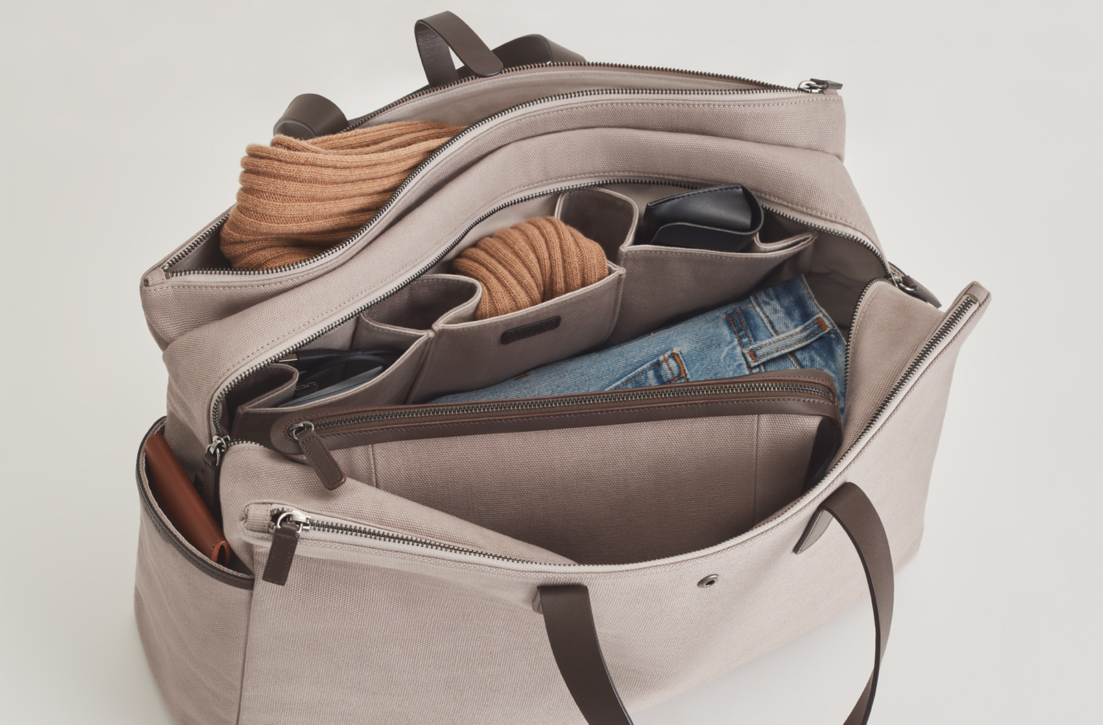 Interior shot of Men's Triple Zipper Weekender