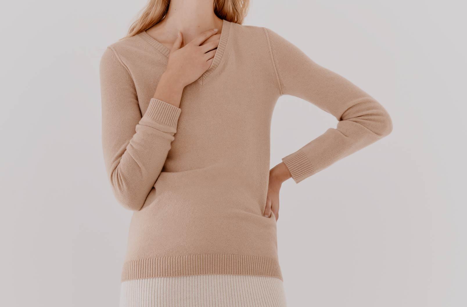 Model wearing Wool Cashmere Slim V-Neck Sweater