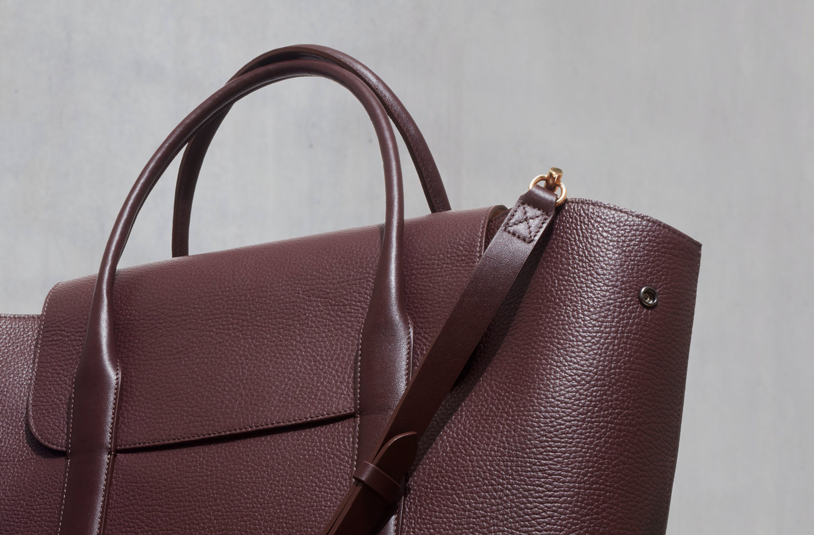 Image showing exterior snaps on Trapeze Satchel