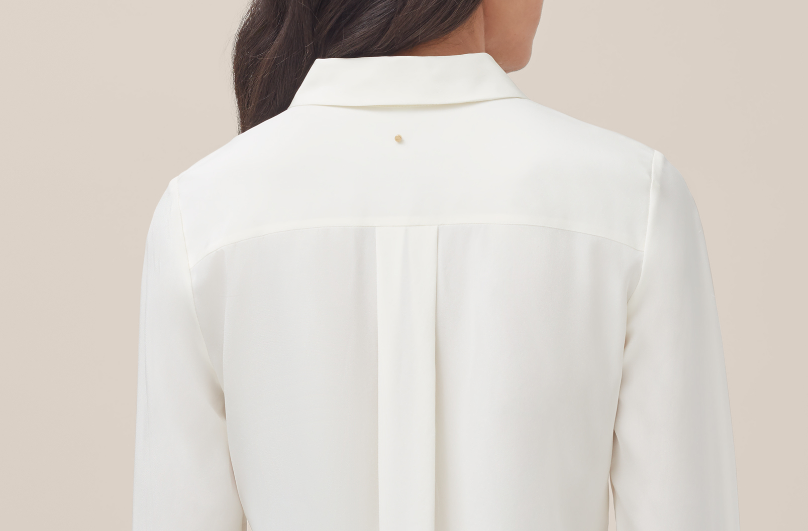 Detail image of back yoke of Silk Button Down Shirt
