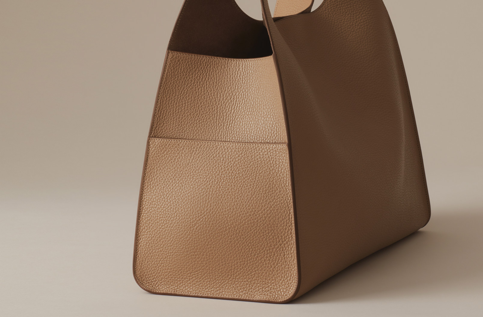 Image showing exterior pockets on Cuyana Oversized Hobo